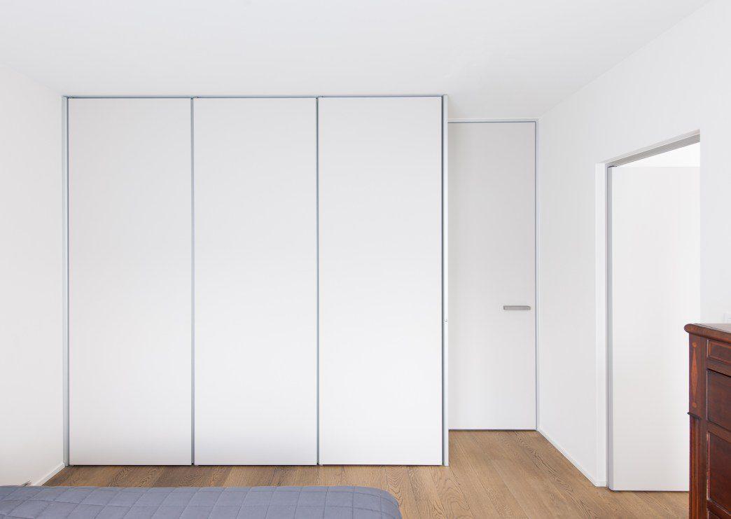 https://add-home.be/wp-content/uploads/2021/04/Dressing-met-deuren-en-toegangsdeur-badkamer-1.jpeg